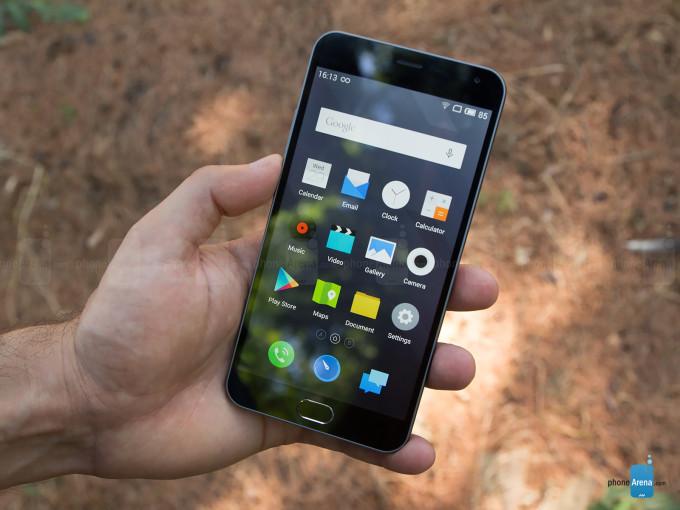 """<p> <a href=""""https://vnexpress.net/so-hoa/photo/dien-thoai/mo-hop-smartphone-man-hinh-full-hd-re-nhat-thi-truong-3241318.html""""><strong>Meizu M2 Note - 627 nit</strong></a></p> <p> Với giá khoảng 4 triệu đồng, Meizu M2 Note là một trong những smartphone chính hãng có màn hình Full HD rẻ nhất thị trường. Khả năng hiển thị trên model này còn được đánh giá cao nhờ độ sáng 627 nit.</p> <p> Thiết bị này sở hữu cấu hình tốt so với giá bán khi được trang bị vi xử lý 8 nhân MTMT6753, RAM 2 GB cùng camera 13 megapixel. Nó chạy hệ điều hành Flyme OS được tuỳ biến lại trên Android 5.1.Một trong những điểm đáng chú ý khác ở Meizu M2 Note là kiểu dáng giống với iPhone 5C, vỏ nhựa nguyên khối Polycarbonate.</p> <p style=""""text-align:center;""""> <a href=""""https://vnexpress.net/so-hoa/photo/dien-thoai/mo-hop-smartphone-man-hinh-full-hd-re-nhat-thi-truong-3241318.html""""><strong>Ảnh mở hộp Meizu M2 Note</strong></a></p>"""