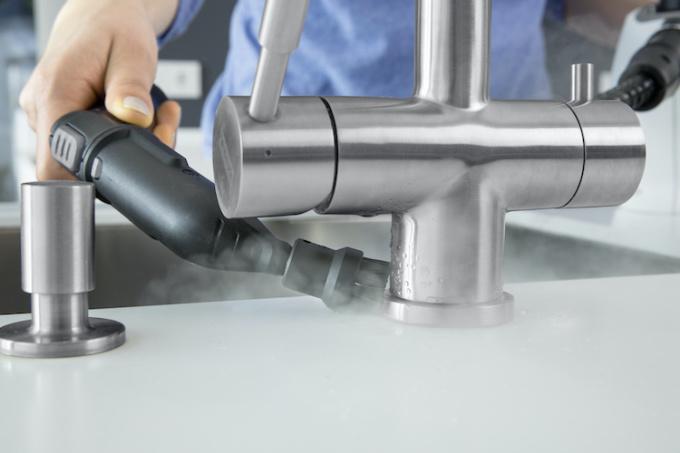 SC 1 Kitchen Tap white app 3 9 1221 9988 1574907312 - Ứng dụng công nghệ hơi nước để làm sạch nhà ở - Ứng dụng công nghệ hơi nước để làm sạch nhà ở - Ứng dụng công nghệ hơi nước để làm sạch nhà ở