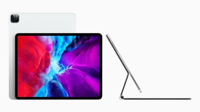 Magic Keyboard có thể biếniPad thành một laptop thực thụ.