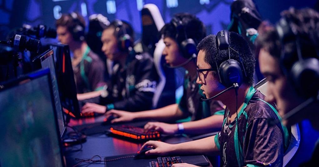 Game thủ Trung Quốc 'kiếm' 1.500 USD một tháng