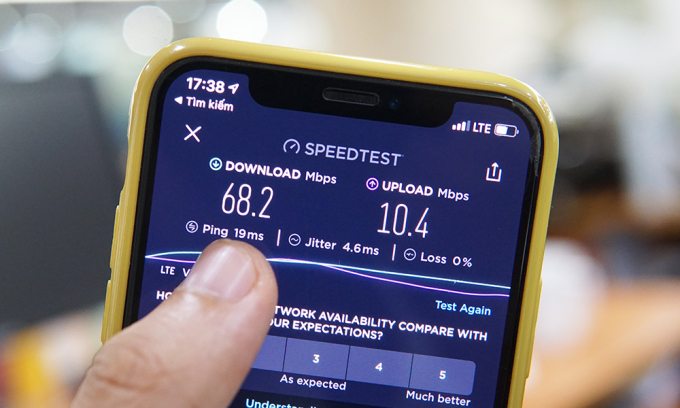 Tốc độ Internet di động vẫn ổn định dù 2 tuyến cáp quang biển quan trọng gặp sự cố. Thông số trong hình làtốc độ Internet 4G tại quận Cầu Giấy, Hà Nội, chiều 26/5. Ảnh: Lưu Quý.