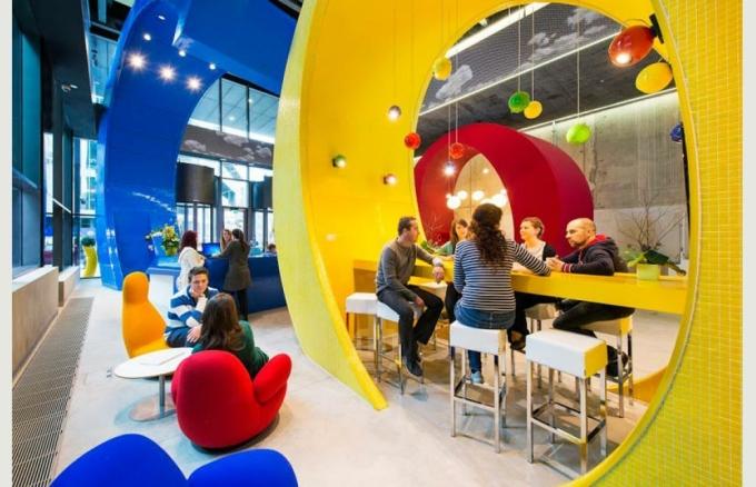 Mặc dù thất vọng về thông báo tuyển dụng của Google nhưng nhiều người vẫn mong muốn được làm việc tại đây vì họ đánh giá cao môi trường làm việc của công ty. Ảnh: Google in Dublin.