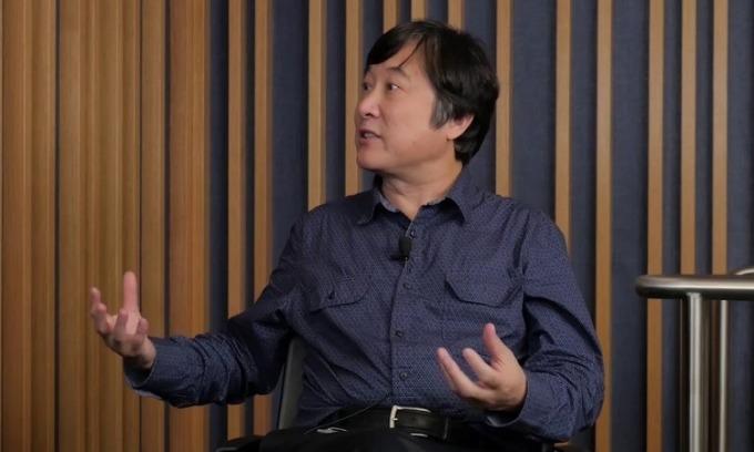 Tiến sĩ Li Deng trong một hội thảo năm 2018. Ảnh: Citadel.