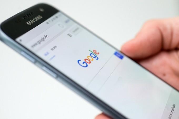 Google đang sử dụng rất nhiều nội dung của các đơn vị xuất bản để thu hút người dùng vào nền tảng của mình. Ảnh: Scmp.