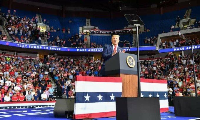 Trump tại sự kiện vận động tranh cử ở Tulsa hôm 19/6. Ảnh: AFP.