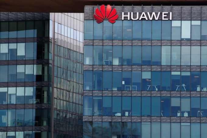 Trụ sở Huawei Technologies France ở Boulogne-Billancourt gần Paris, Pháp. Ảnh: Reuters.