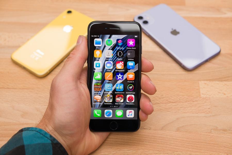 iPhone vẫn bán tốt dù dịch bệnh