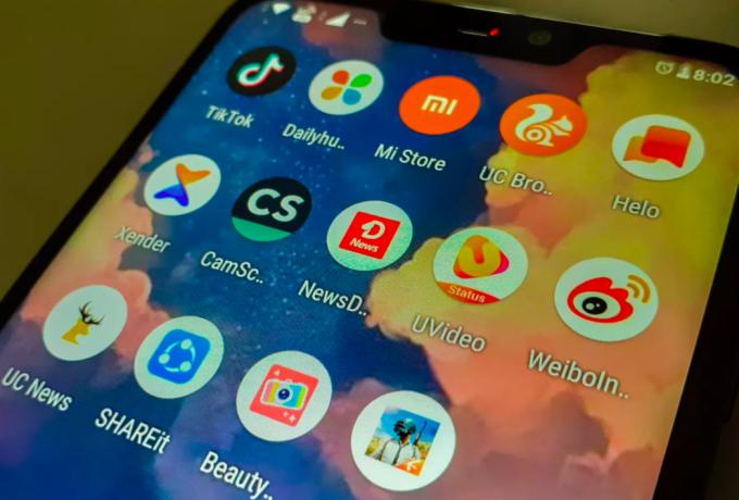 Không ít ứng dụng Trung Quốc đòi rất nhiều quyền truy cập. Ảnh: Business Insider.