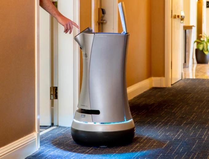Robot quản gia Jarvis đang được sử dụng tại khách sạn Grand Hotel,California. Ảnh: Time.