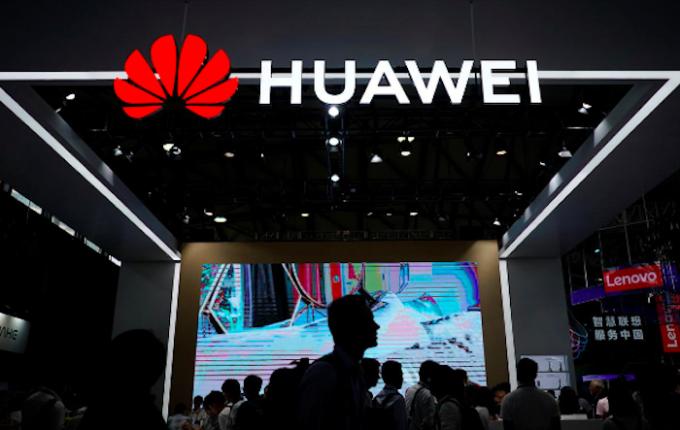 Gian hàng của Huawei tại triển lãm CES ở Thượng Hải năm 2018. Ảnh: Reuters.