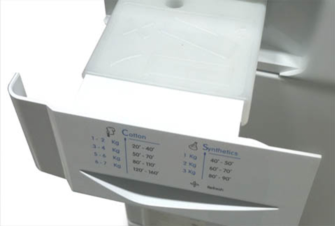 Ngăn chứa nước của máy sấy ngưng tụ.
