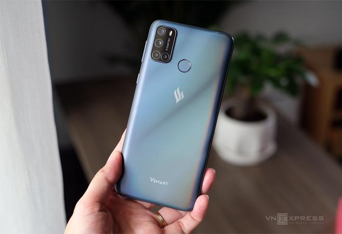 Joy 4 - một trong ba smartphone được VinSmart ra mắt trong tháng 9. Ảnh: Tuấn Hưng