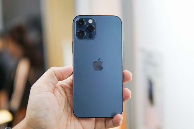 iPhone 12 Pro. Ảnh: Lưu Quý