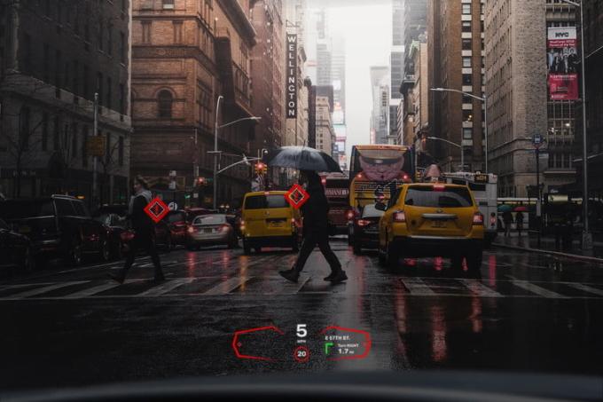 Công nghệ của Envisics có thể hỗ trợ giữ làn, hiển thị điểm mù và cảnh báo người qua đường.... Ảnh: Envisics.
