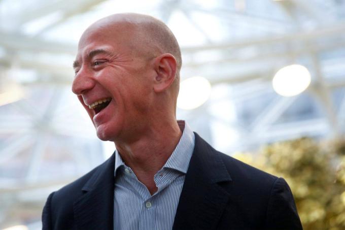 CEO Amazon Jeff Bezos. Ảnh: Reuters.