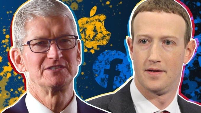 CEO Apple Tim Cook (trái) nhiều lần chỉ trích cách hoạt động của Facebook, mạng xã hội do Mark Zuckerberg (phải) đứng đầu.