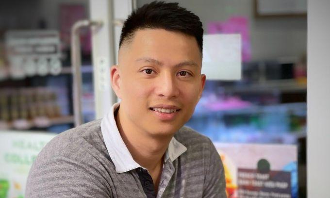 Ngô Minh Hiếu, sinh năm 1989 ở Gia Lai, từng là hacker nổi tiếng những năm 2010. Trước khi bị Cơ quan Mật vụ Mỹ bắt vào năm 2013, anh từng kiếm hơn 3 triệu USD nhờ bán dữ liệu danh tính cho nhiều đường dây tội phạm có tổ chức ở Mỹ. Hiện tại anh là chuyên gia tại Trung tâm Giám sát An toàn không gian mạng quốc gia (NCSC).