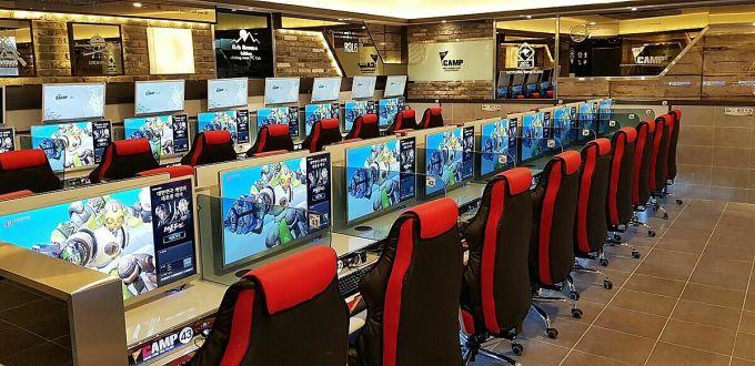 Các quán game ở Hàn Quốc thường được trang bị cấu hình mạnh, quy mô lên đến hàng trăm dàn máy mỗi quán. Ảnh: Koreaboo.