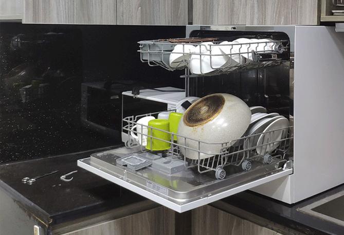 Máy rửa bát ngày càng phổ biến trong gia đình Việt.