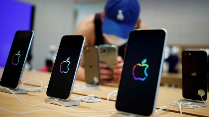 Sau ngành ôtô, khủng hoảng bán dẫn đang lan sang lĩnh vực smartphone và PC.