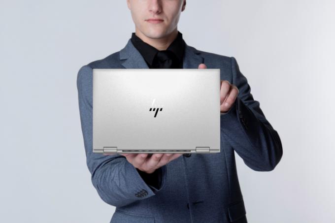HP EliteBook x360 1030 và 1040 G8