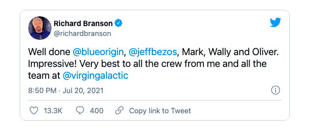 Richard Branson chúc mừng Jeff Bezos trên Twitter.