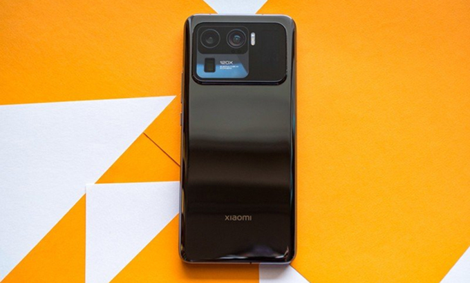 Mi 11 Ultra được kỳ vọng giúp Xiaomi đẩy mạnh phân khúc cao cấp. Ảnh: AndroidCentral.