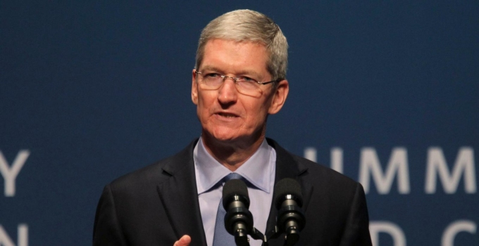 CEO Apple, Tim Cook. Ảnh: Reuters